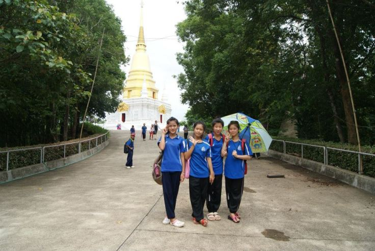 Grade 5 students at the base of the temple.