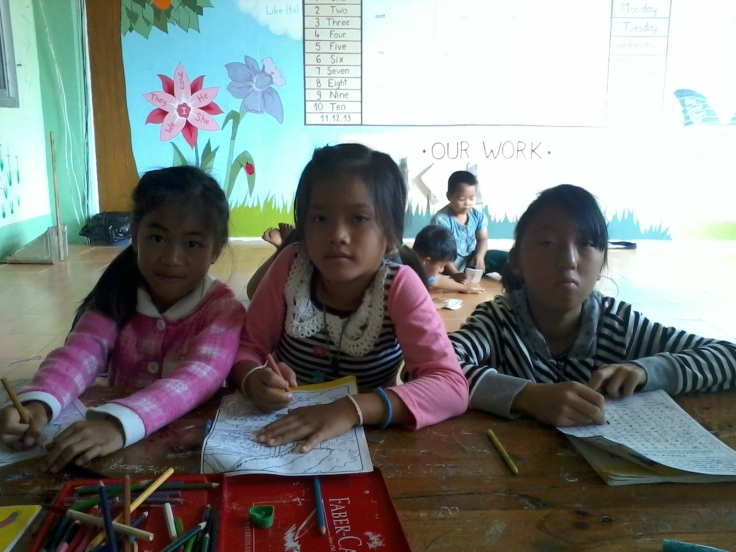 HDS kindergarten students during English class.